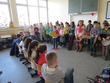 wir verklanglichen den Frühling © Grundschule Giesenkirchen